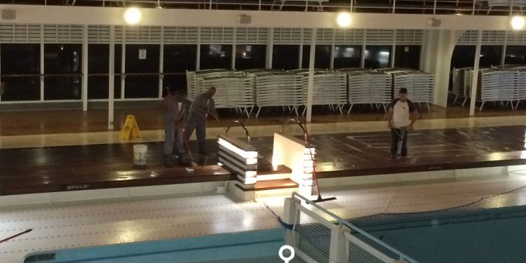 MSC-Sinfonia-night-pool