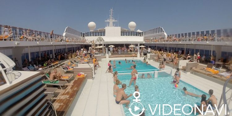 MSC-Sinfonia-pool-deck